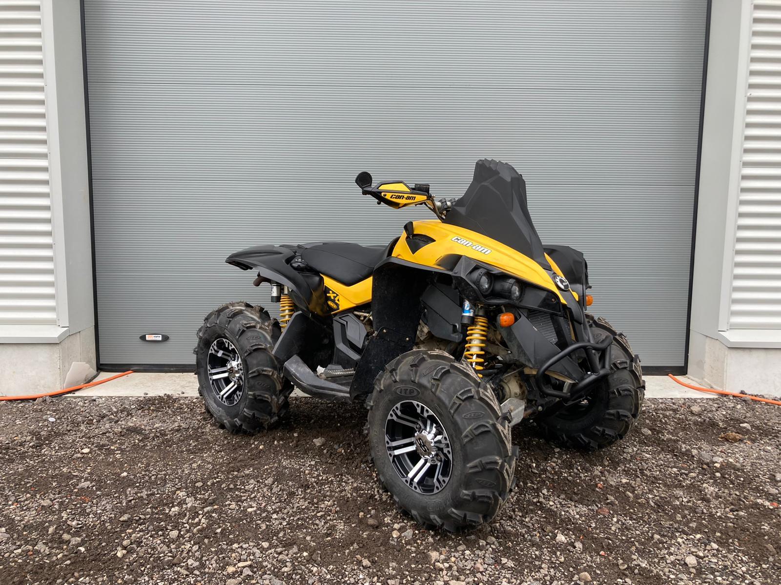quad-zwart